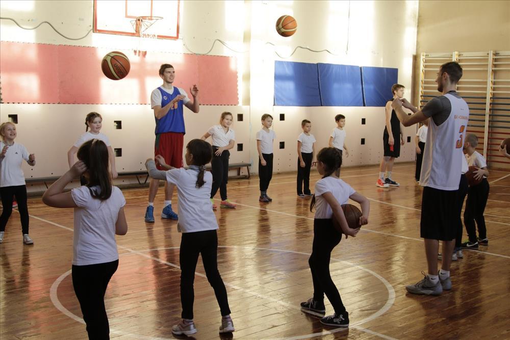 Баскетболисты БК «Самара» сыграли против пятиклассников
